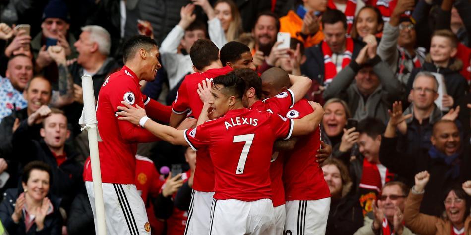 Manchester United 'pegó primero' y venció 2-1 al Liverpool