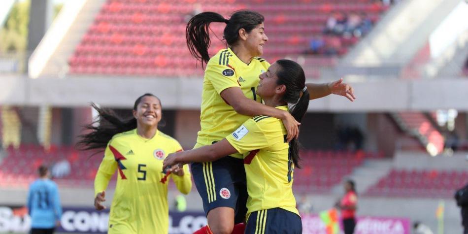 COLOMBIA GOLEÓ A URUGUAY