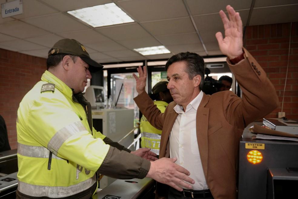Roberto Prieto, exgerente de la campaña Santos presidente, se salva por tercera vez