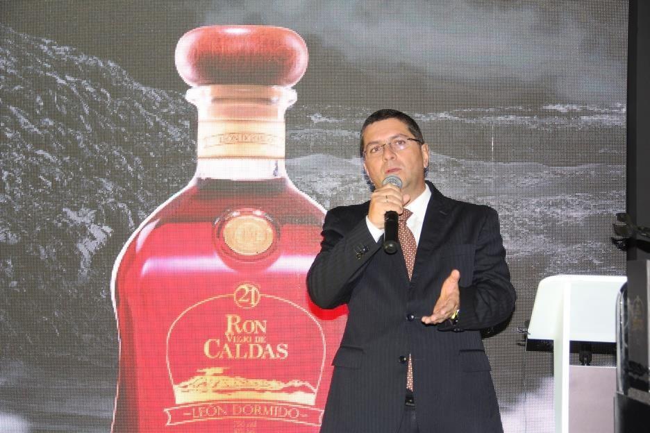 Licorera de Caldas inició proceso de comercialización internacional de León Dormido a Perú