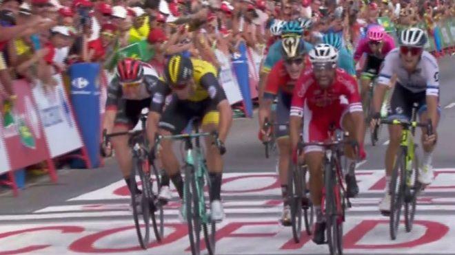 Nacer Bouhanni da un puñetazo a los críticos y Nairo Quintana asciende en la general