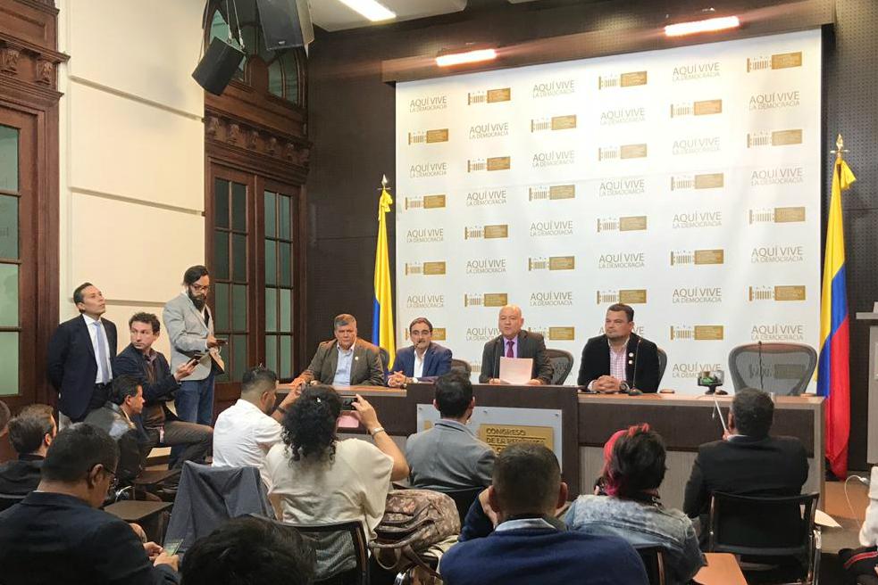 """""""Iván Márquez y el 'Paisa' no han abandonado el Acuerdo de Paz"""": FARC"""
