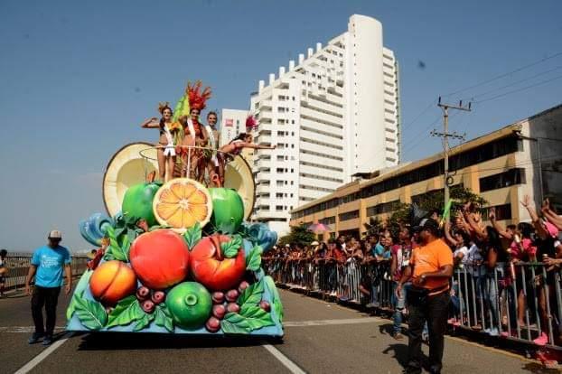 FIESTA DE LA INDEPENDENCIA: BELLEZA Y FOLCLOR