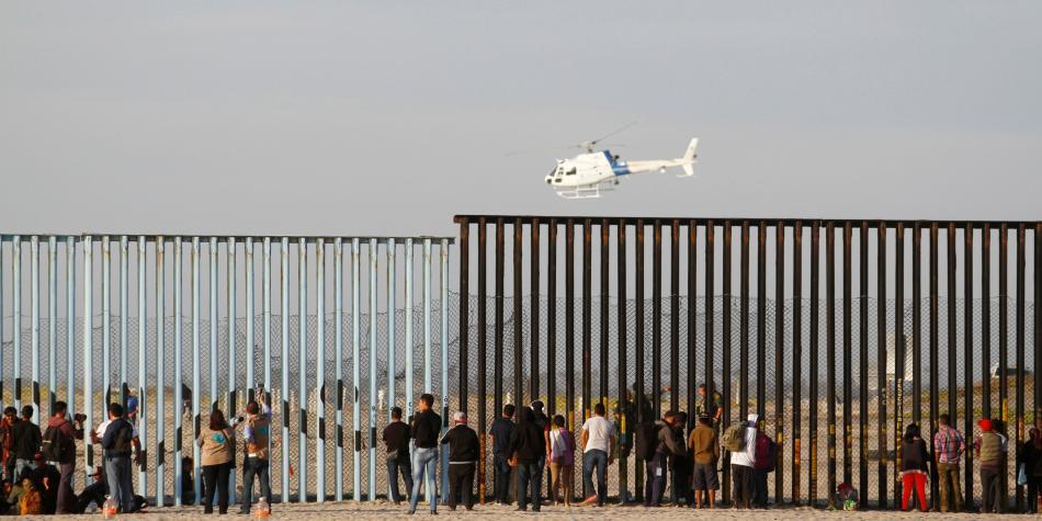 Trump declara emergencia nacional para construir el muro