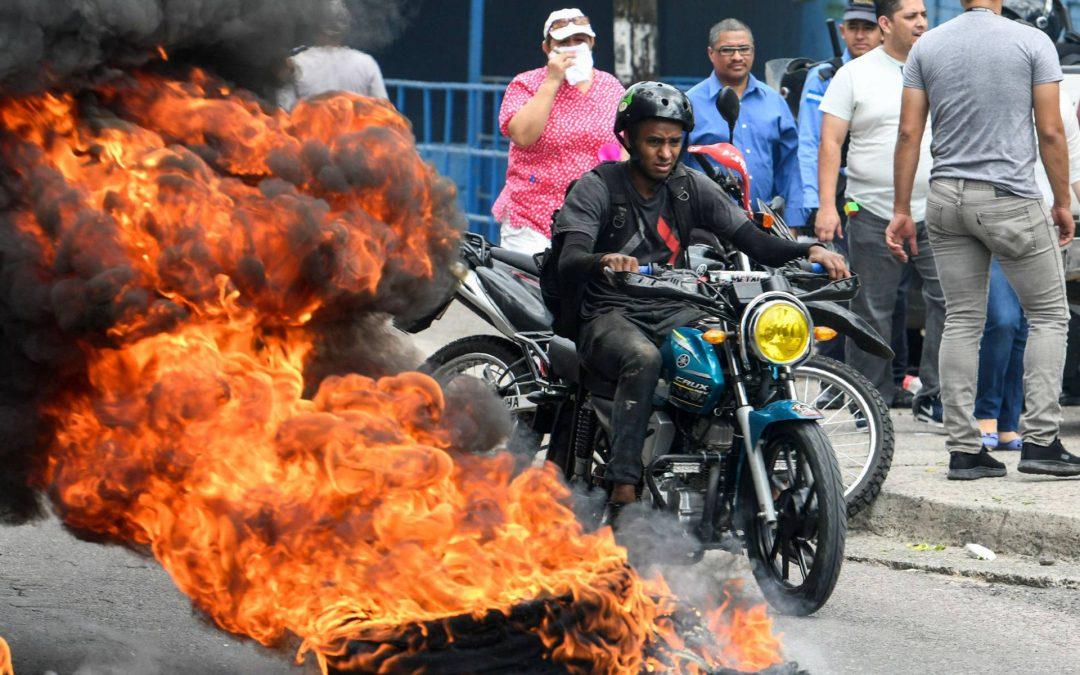 El presidente de Honduras despliega al Ejército tras una oleada de protestas en su contra